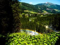 Arcobaleno fatto delle gocce di acqua della cascata di Krimml Fotografia Stock Libera da Diritti
