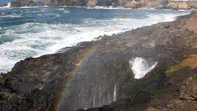 Arcobaleno in foschia dal becco Horn Newport Oregon stock footage