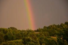 Arcobaleno nei mountaians di Bieszczady Fotografie Stock Libere da Diritti