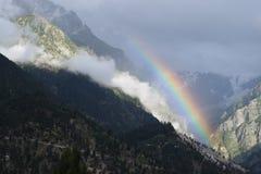 Arcobaleno sotto l'Himalaya Immagini Stock Libere da Diritti