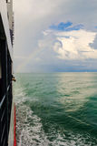 Arcobaleno sotto l'oceano vicino a Samui Immagine Stock