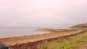 Arcobaleno sul lago lungamente Fotografia Stock
