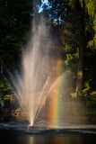 Arcobaleno in una fontana Fotografia Stock Libera da Diritti