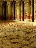 Arcos antigos dentro da igreja Imagens de Stock