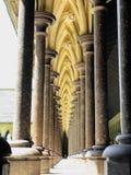 Arcos de la abadía en Francia Imagen de archivo libre de regalías