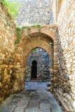 Arcos de piedra en Alcazaba Imagenes de archivo