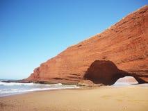 Arcos de piedra en la playa de Legzira Foto de archivo libre de regalías