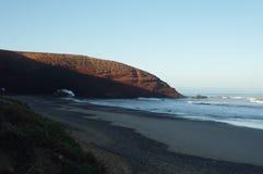 Arcos de piedra en la playa de Legzira Foto de archivo