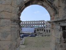 Arcos de Roman Amphitheatre Arena Pula, Istria, Croácia fotografia de stock royalty free
