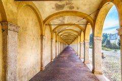 Arcos de um pórtico antigo Imagem de Stock