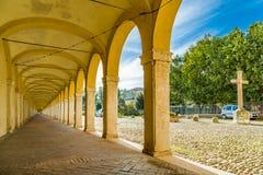 Arcos de um pórtico antigo Fotos de Stock Royalty Free