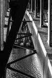 Arcos debajo del puente imagenes de archivo
