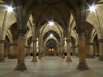 Arcos e colunas no edifício da universidade de Glasgow fotos de stock