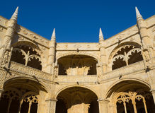 Arcos em nimos monastério do ³ de JerÃ, Belém, Lisboa, Portugal Imagens de Stock Royalty Free