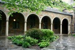 Arcos en el edificio Foto de archivo libre de regalías