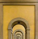 Arcos en Florencia fotografía de archivo libre de regalías