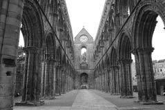 Arcos en la abadía de Jedburgh Fotos de archivo libres de regalías