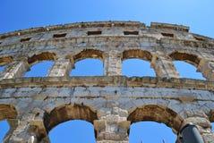 Arcos grandes del anfiteatro en pulas imágenes de archivo libres de regalías