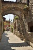 Arcos na aleia de pedra Fotos de Stock Royalty Free