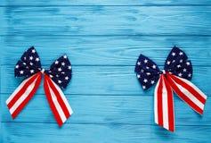 Arcos patrióticos como decoraciones para las 4tas del día de julio de independencia americana Decoraciones del día de fiesta de l foto de archivo libre de regalías