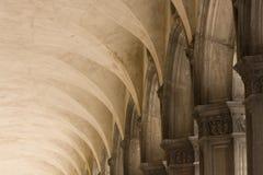 Arcos y columnas Foto de archivo