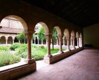 Arcos y columnas talladas Imágenes de archivo libres de regalías