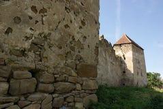 Arcus stärkt kyrka i Transylvania arkivbilder