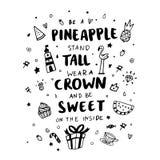 Ard ¡ Ð с ` надписи ананас, стойка высокорослая, носит крону, и сладостно на внутреннем ` в ультрамодном каллиграфическом стиле Стоковые Изображения