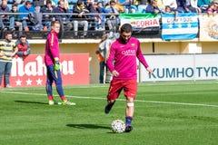 Arda Turan si scalda prima della partita di Liga della La fra il Villarreal CF ed il FC Barcelona Fotografia Stock