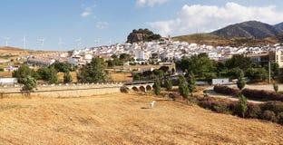 Ardales: tipical ανδαλουσιακό χωριό (blanco pueblo) Στοκ Φωτογραφία