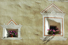 Ardez,典型的村庄在Engadine 免版税库存照片