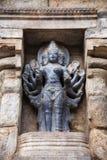 Ardhanareeshwarar, une forme de Shiva en tant que le demi homme et demi femme Temple d'Airavatesvara, Darasuram, Tamil Nadu, Inde Image libre de droits