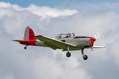 Ardilla listada portuguesa anterior T de Havilland DHC-1 de la fuerza aérea 20 G-DHPM en acercamiento a la tierra imagen de archivo libre de regalías