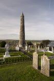 01.09.2013 - Ardmore圆的塔和大教堂。 库存图片