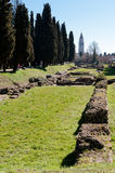 Area archeologica e campanile fotografia stock