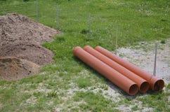 Area della costruzione con i tubi di plastica Fotografia Stock Libera da Diritti
