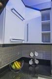 Area della cucina in appartamento di lusso Fotografia Stock