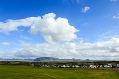 Area di campeggio in montagne dell'Islanda Immagini Stock Libere da Diritti