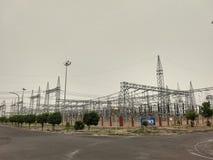 Area di commutazione in centrale elettrica termica fotografia stock