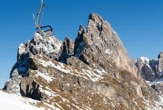 Area di corsa con gli sci nelle alpi delle dolomia Immagine Stock