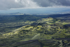 Area di Lakagigar con i crateri vulcanici coperti di muschio da abov Fotografia Stock