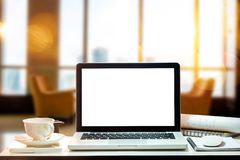 Area di lavoro di vista frontale con il concetto del computer immagini stock