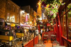 Area di notte della barra del tempio, Dublino immagini stock libere da diritti
