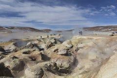 Area geotermica Sol de Manana del geyser in Eduardo Avaroa Nationa fotografie stock libere da diritti