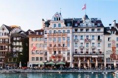 Area pranzante del lato del lago in Lucerna, Swizerland immagine stock
