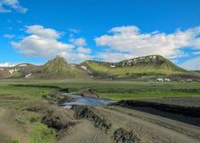 Area rurale di Hvanngil di verde del tiro del percorso di camminata, traccia da Thorsmork a Landmannalaugar, altopiani di Laugave immagini stock