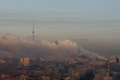 Area urbana con fumo pesante Fotografia Stock