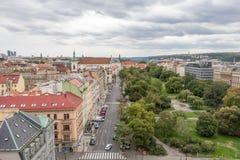 Areal sikt från nästan 70 M högt nytt stadshus i Prague arkivfoton