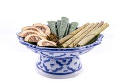 Areca καρύδι, betel - το καρύδι που μασιέται τονωτικό με το φύλλο είναι ήπιο Στοκ Εικόνες