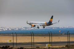 ARECIFE,西班牙- 2017年4月, 16 :波音神鹰757-300与t的 免版税库存图片